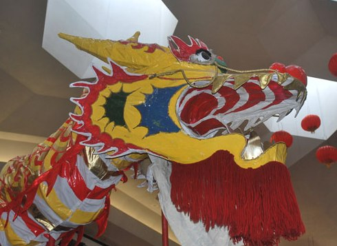 Halloween costume ideas connect 123 blog for those of you who are gifted at crafting make your own parade chinese dragon costume if your crafting skills are average but you have a mega halloween solutioingenieria Choice Image