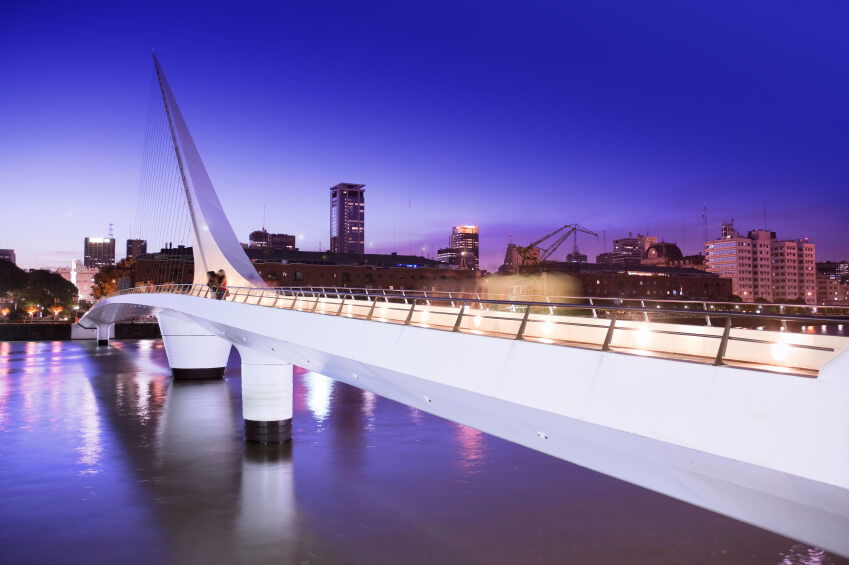argentina-puerto-madero-at-night-1