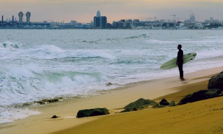 barcelona-surfing