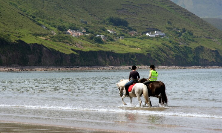 horse-riding-ring-of-kerry-beach-ireland